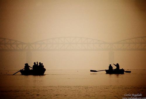 Navegando por el Ganges by Carlos Regalado