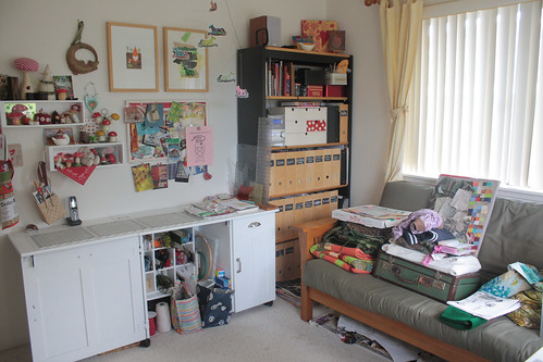5b. Guest bedroom as fully functioning sewing room/studio!