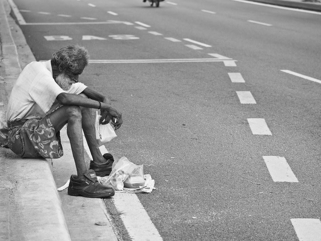 吉隆坡的街头又流了一份孤独与凄凉 Lonely and desolate