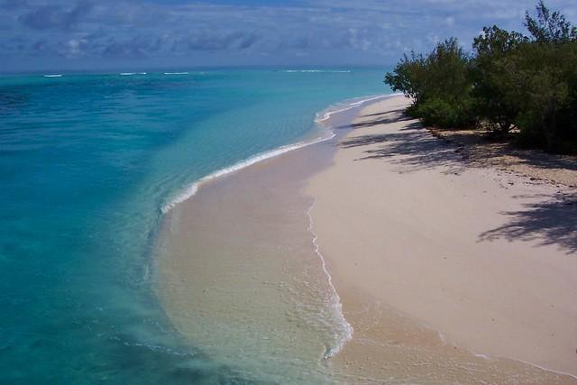 Nouvelle-Calédonie - île d'Ouvéa - plage du pont de Mouli