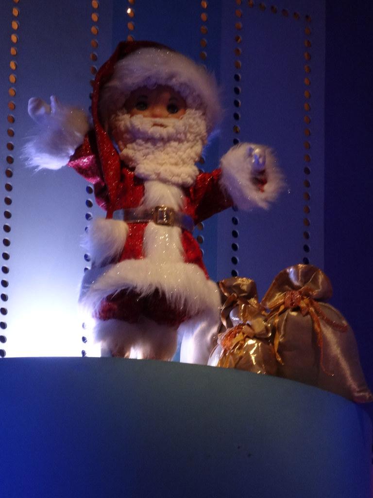 Un séjour pour la Noël à Disneyland et au Royaume d'Arendelle.... - Page 6 13874656633_b19839ea13_b
