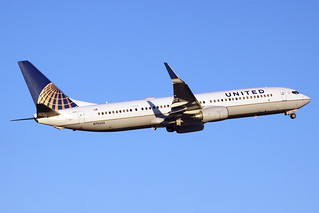 United Airlines Boeing 737-924/ER N75433