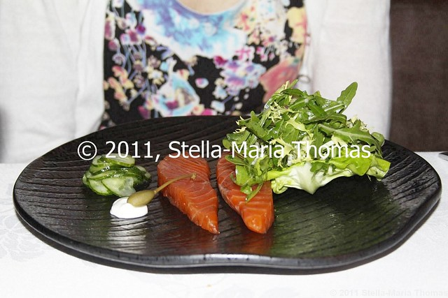 WATERMARK - TASMANIAN HOUSE SMOKED SALMON, SALTED CUCUMBER, CAPERBERRY, CHIVE SOUR CREAM 002