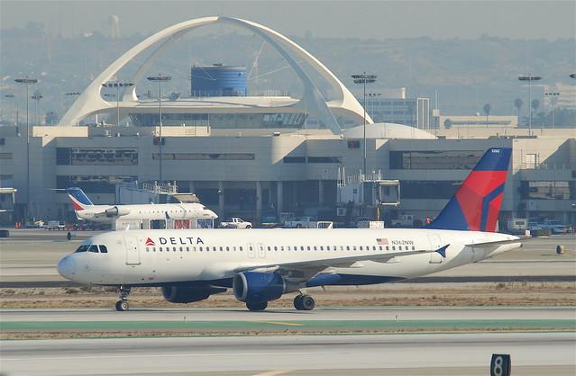 Delta Air Lines Airbus A320-212; N362NW@LAX;10.10.2011/622dm