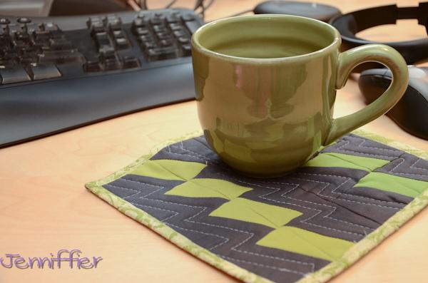 mug rug 1 in use