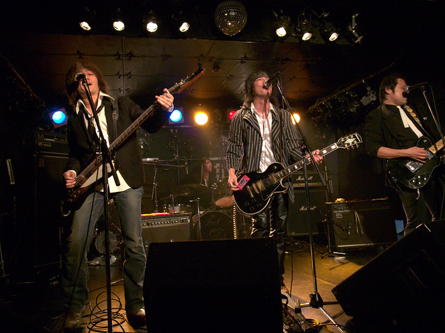 The StarrBootleggerz live at ShowBoat, Tokyo, 03 Dec 2011. GR007