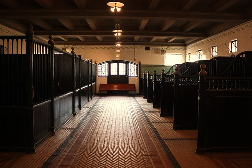 casa-loma-stables