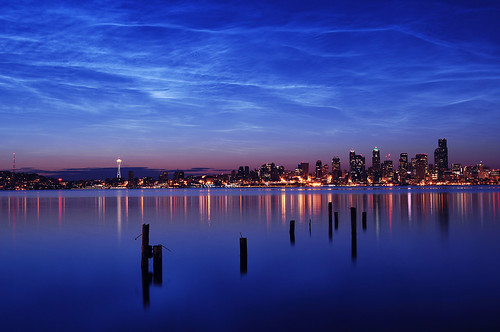 seattle reflection water skyline night clouds sunrise dawn downtown cityscape waterfront alki spaceneedle pugetsound pilings elliottbay noctilucent