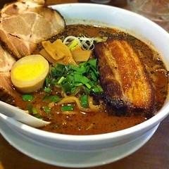 noodle, curry, bãºn bã² huế, lamian, ramen, noodle soup, meat, food, dish, laksa, soup, cuisine,