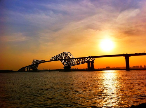 gate bridge at sunset by sitaoka