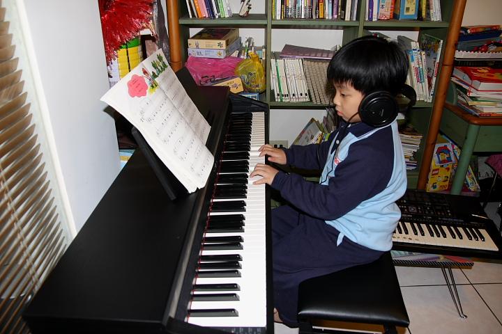 買新電鋼琴006