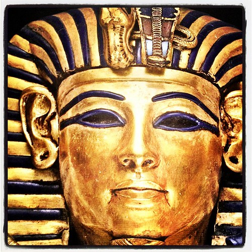 Your shiny face. Son of Akhenaten. #wonders #history #gold #Egypt