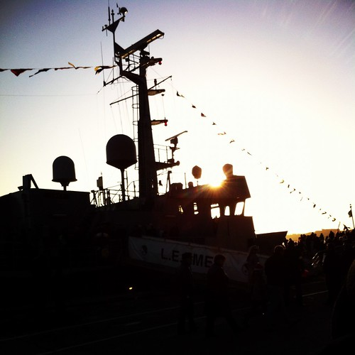 Silhouette of the L.E. Emer in Cobh. by despod