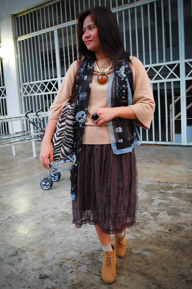 gifted brown dot skirt, denise katipunera, Michael Kors print purse, camel wedge booties, pinat fashion blogger, fashion on a budget, mommy style
