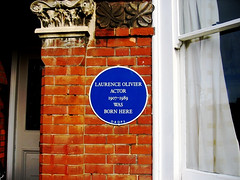 Photo of Laurence Olivier blue plaque