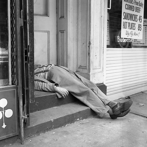 Drunk man - by Vivian Maier