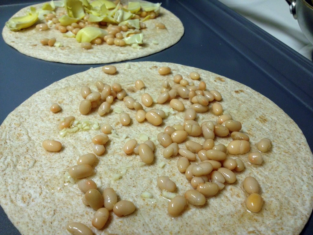 Tortilla pizzas