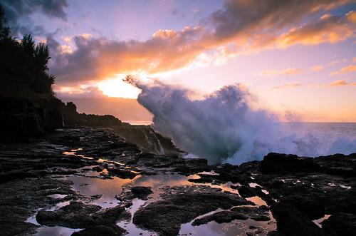 無料写真素材, 自然風景, 海, ビーチ・海岸, 朝焼け・夕焼け, 波, 風景  アメリカ合衆国, アメリカ合衆国  ハワイ州