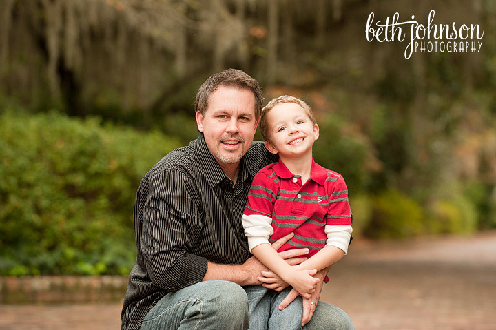 little boy with his daddy in maclay gardens tallahassee