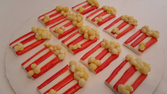 ... Popcorn Day! 10 popcorn cupcakes and a how to popcorn cupcake video