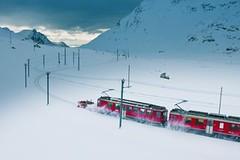 Na lyžích podél Rhétské dráhy, jedné z nejslavnějších železnic světa
