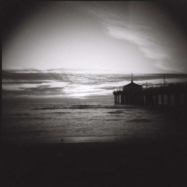 manhattan beach pier holga