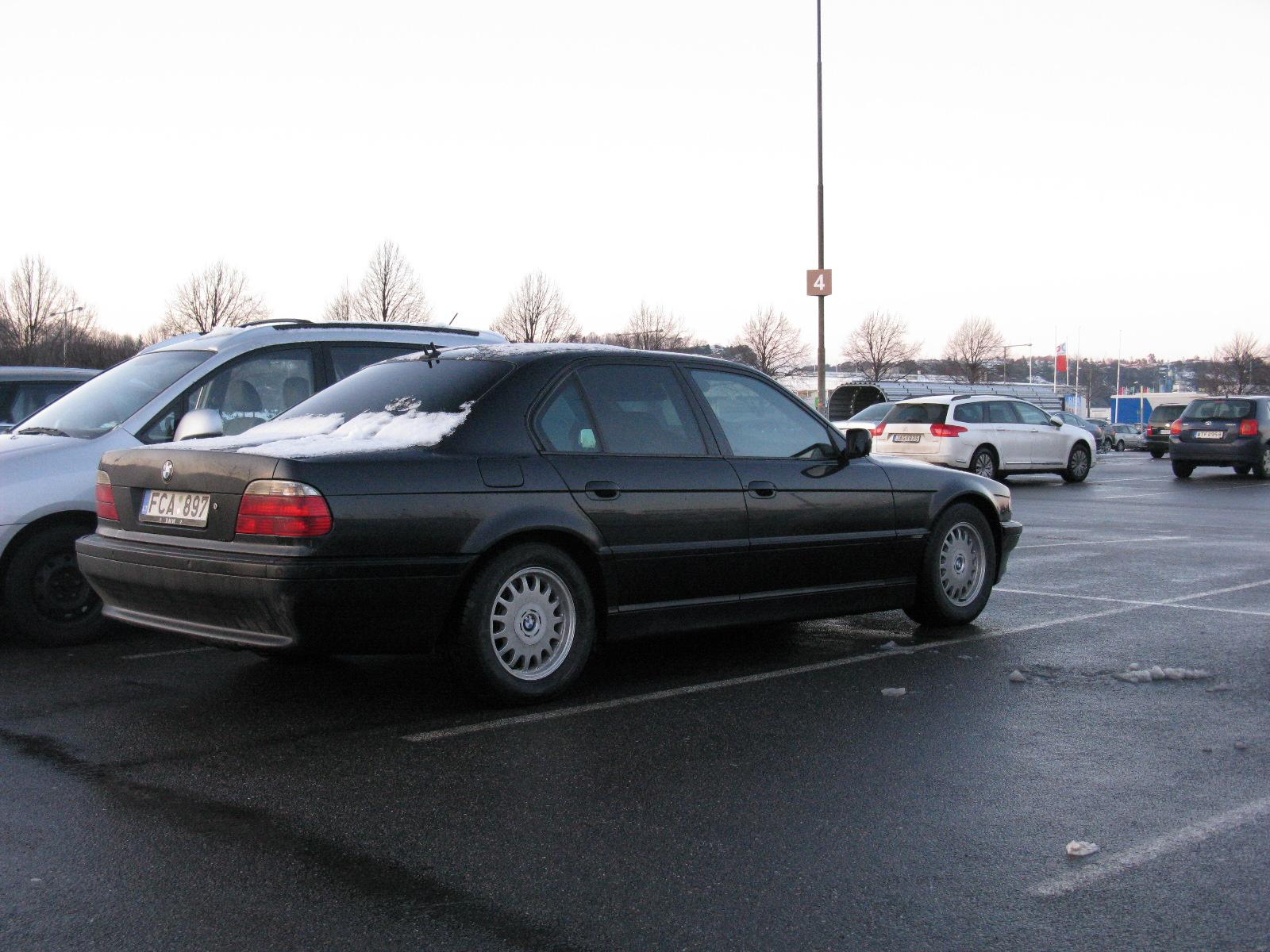BMW E38 Club - А у вас уже выпал снег?