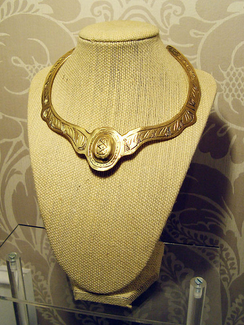 Goldtone Collar Necklace, Brooklyn Bleu giveaway