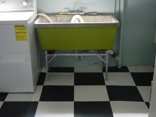 Laundry Wash Tub : Laundry room painted floor and wash tub