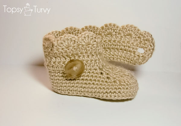 crochet-baby-wrap-button-boots-shells