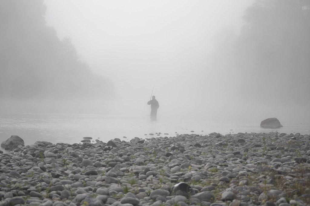 pesca en la niebla