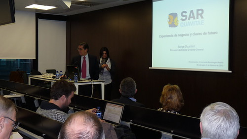 Momento de la conferencia del Jorge Guarnes, de SARquavitae, empresa catalana del sector sanitario.