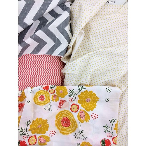 Friends, I think I finally found my color story and inspiration for our new bedroom! #inlove #decorlove Excited. Flower print is our new bedspread from @schoolhouse which is my new fave store;)