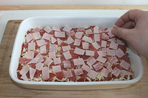 27 - Mit Schinken & Salami belegen / Cover with ham & salami