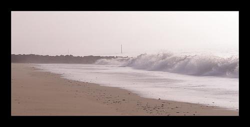 wet fog sand rocks nebel wave welle felsen nass coutainville