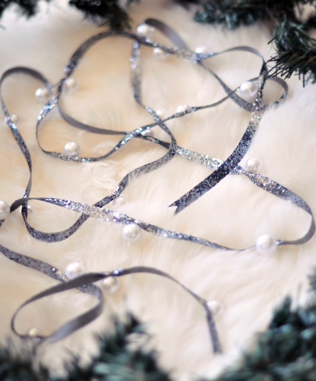 Pearl Garland For Christmas Tree: DIY Christmas Glitter & Pearl Ribbon Decor