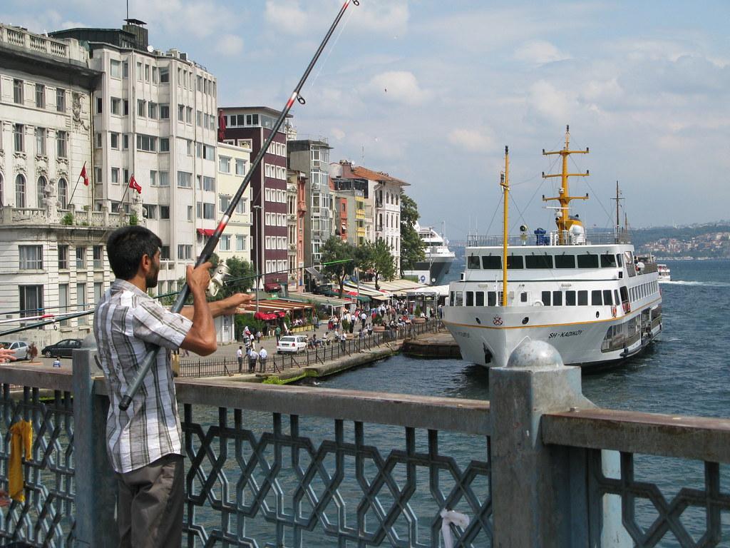 Barco en el Bósforo
