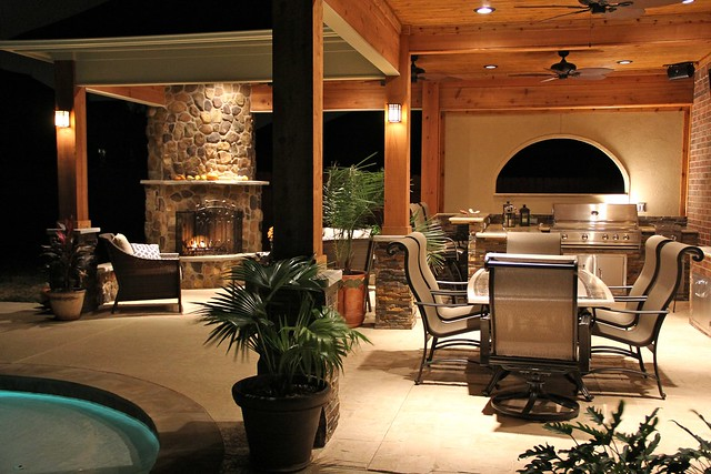 Outdoor Kitchens L Shaped With Bar And Fireplace
