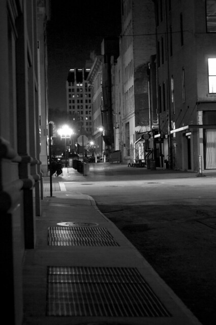 Pearl street early morning b+w