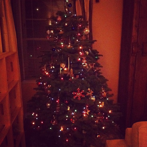 Life: Christmas Tree 2011! by Sanctuary-Studio