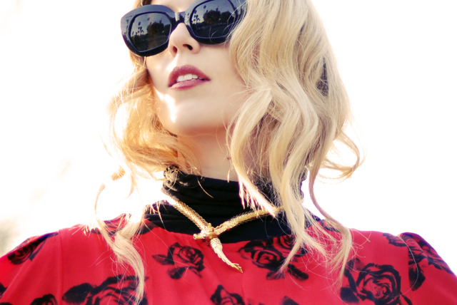 vintage  sunglasses -  snake necklace