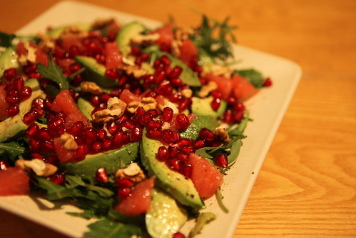 salad with avocado, grapefruit, pommegranate & walnuts