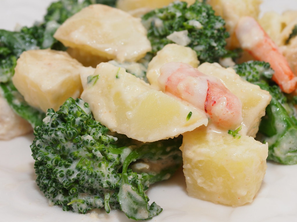 Broccoli Potato Shrimp salad
