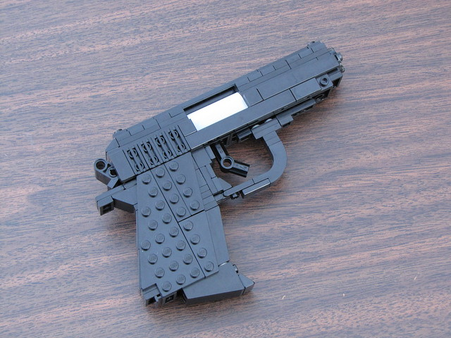 LEGO Walther PPK (1:1)