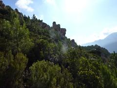 Punta Radichella par la sente de chasseurs : les blocs rocheux du versant de montée
