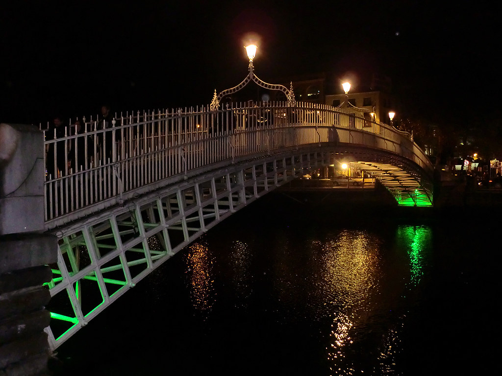 Ha'penny Bridge - Dublin, Ireland.