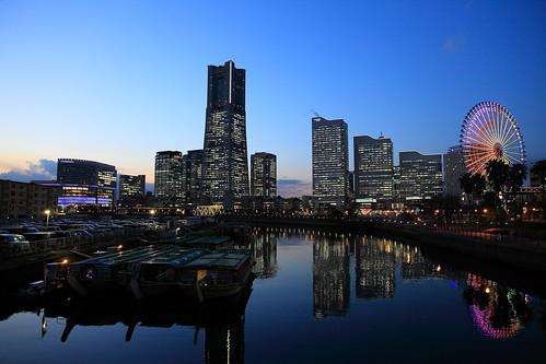 sunset reflection japan night clear yokohama minatomirai