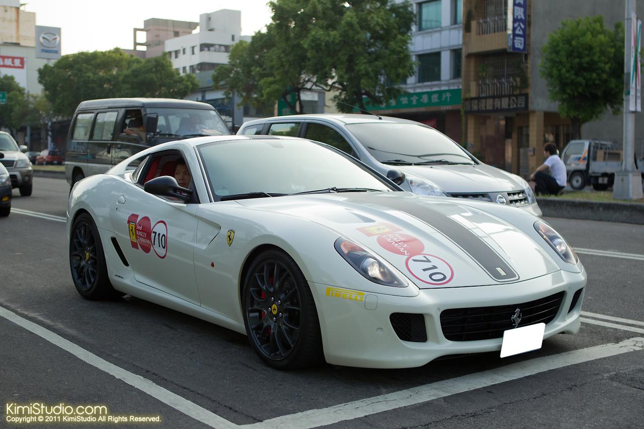 2011.10.28 Ferrari-136