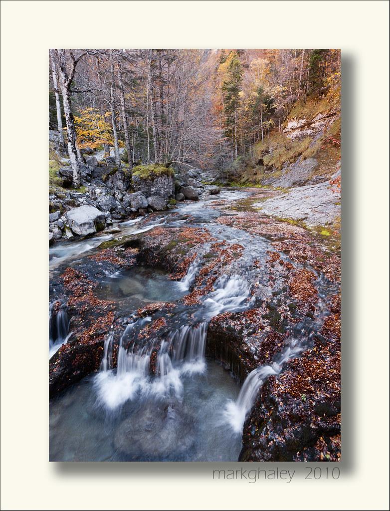 IMAGE: http://farm8.staticflickr.com/7162/6602672929_b699356c1e_b.jpg