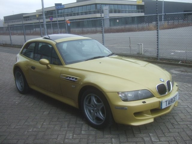 S54B32 M Coupe | Phoenix Yellow | Black